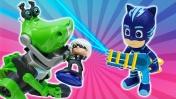 Герои в масках спасают Расти Механика - Машины сказки из игрушек - Видео для детей