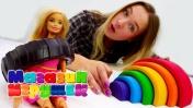 Видео для девочек: новые коньки для Барби. Магазин игрушек.