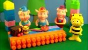 Видео для детей - Игрушки пекут пирог.