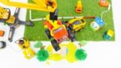 Вспыш и машинки на стройке - Строим дом