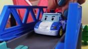 Мультфильм: Строим трассу для Робокара Поли
