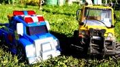 Мультики про машинки - Чак и его друзья - Помощь в болоте