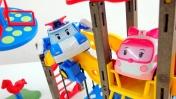 Машинки и Робокар Поли - строим детскую площадку