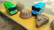 Видео для детей. Тайо и песочный магазин. Игры в песочнице.