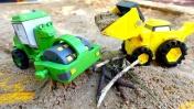 Мультики с игрушками - Машинки на детской площадке