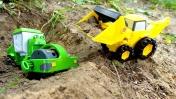 Машинки на детской площадке -  Ролли провалился в яму