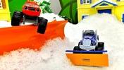 Чудо машинки убирают снег. Мультики про машинки Вспыш