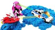 Видео про машинки и игрушки из мультика Монкарт. Битроиды, Мегароиды и полицейские машинки