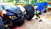 Видео для детей. Большие КРУТЫЕ машинки и Бен 10. Игры для мальчиков, часы омнитрикс и трансформации