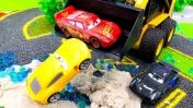 Машинки. Мультики для детей. Маквин и гонки на мокрой трассе