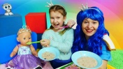 Принцесса Как мама для Беби Бон - Видео для детей. Две принцессы
