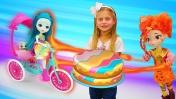 Злодейка испортила пикник куклам Энчантималс. Видео для девочек.