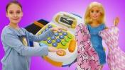 Барби торгует на рынке. Видео для девочек: играем в магазин.