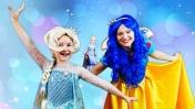 Принцессы открывают новогодние подарки! Новая Эльза Холодное сердце - Распаковка игрушек