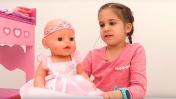 Видео для девочек - Кормим и Наряжаем Беби Бон