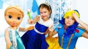 Игры с куклами – Две Принцессы простудились! – Новое видео шоу для девочек.