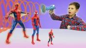 Танос vs. Человек-паук гигант. Видео для детей с игрушками.