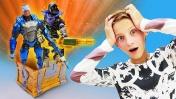 Фортнайт: строим крепость в реальной жизни. Видео с игрушками.