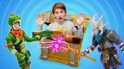 Фортнайт в реальной жизни: кто получит сундук? Видео с игрушками.