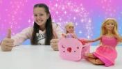 Кукла Барби стала няней. Видео для девочек.