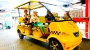 Маша Капуки в видео с машинами - Отдых в Москве - Куда сходить с детьми