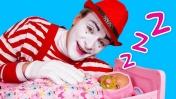 Беби Бон не хочет спать одна! Мультики для малышей - Играем в куклы Baby Dolls