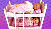 Двухъярусная кровать для Беби Анабель и Baby Alive - Видео для девочек Как мама