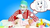 Что не так с куклой Беби Анабель? Веселые игры для детей с игрушками.