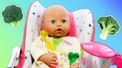 Беби Анабель кушает САМА? Брокколи вкусные! Видео про кукол. Игра на кухне