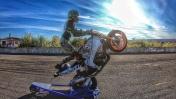 ДЕВУШКА УПАЛА С МОТОЦИКЛА | Трюки на мотоцикле со сломанной ногой