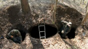 Нашли НЕМЦА в яме он лежал там 100 лет...