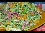 Вкусный быстрый салат с пекинской капустой и кукурузой