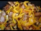 Окорочка с овощами в мультиварке