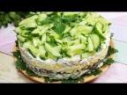 Салат с курицей и грибами преобразит ваш стол и придаст свежести и яркости.