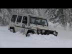 Mercedes G-class в глубоком снегу